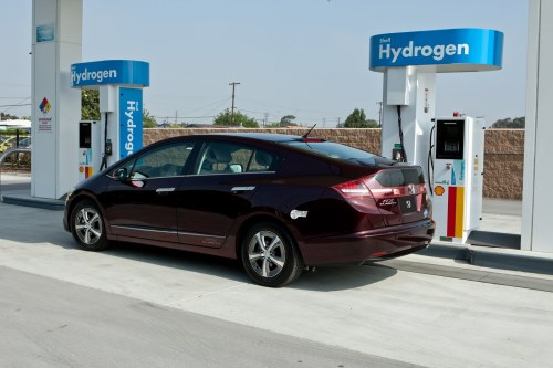 Honda-FCX-Clarity-New-Hydrogen-Station-2